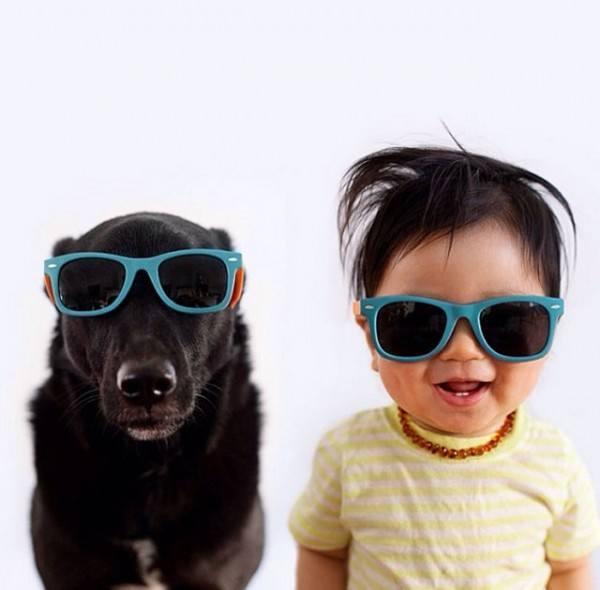 fotos-adorables-de-un-bebe-y-su-perro-hechas-por-la-madre-gafas-de-sol