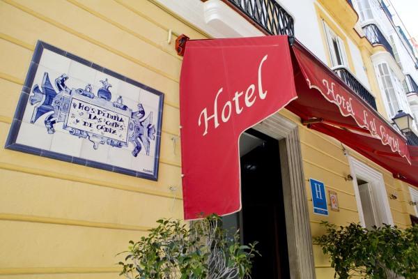 Hoteles-que-admiten-perros-en-Espana-hotel las cortes-cadiz