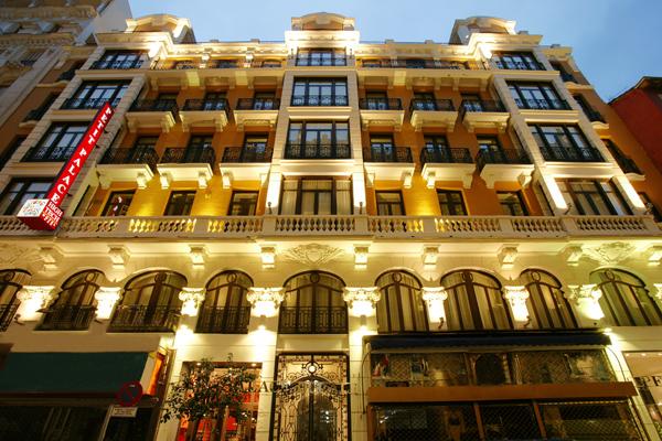 Hoteles-que-admiten-perros-en-Espana-hotel petit palace ducal chueca-madrid